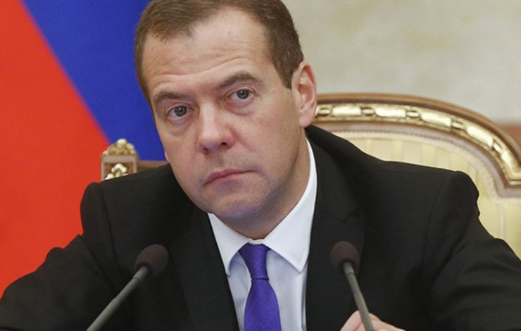 'Weak and short-sighted' – Russian PM slams White House for failure to sync ISIS bombing campaign