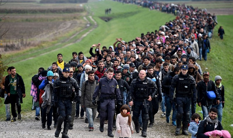 EU to declare 'Balkans route closed' to refugees at Brussels summit – Updated