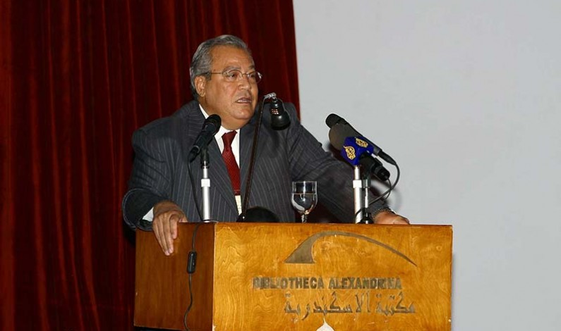 Former Egyptian minister of culture concerned about the high position of Egypt in the Muslim world declining