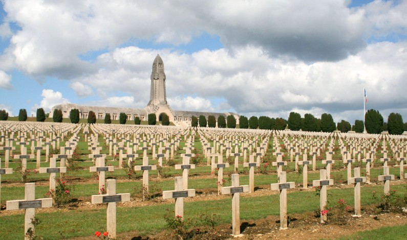 At the 100th anniversary of Verdun, Hollande and Merkel appeal to unity