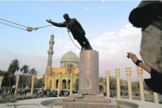 Hussein's statue coming down, 2003