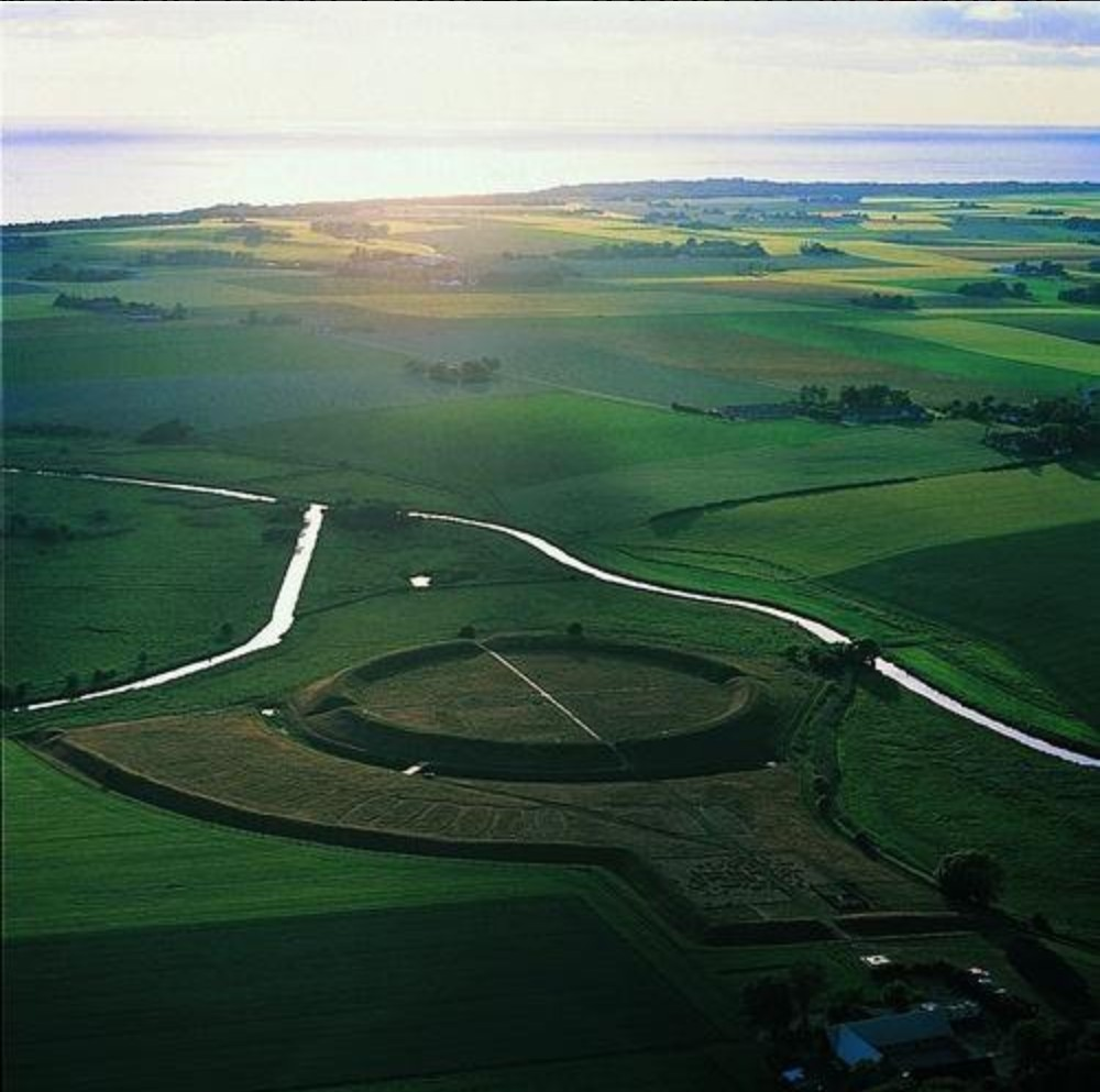 """""""New"""" Viking ring fortress """"found"""" in Denmark"""