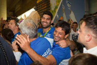 Medalists arrive at Ben Gurion Airport