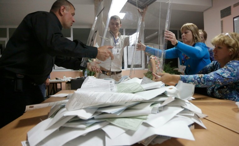 Pro-Putin party leads parliamentary elections in Russia
