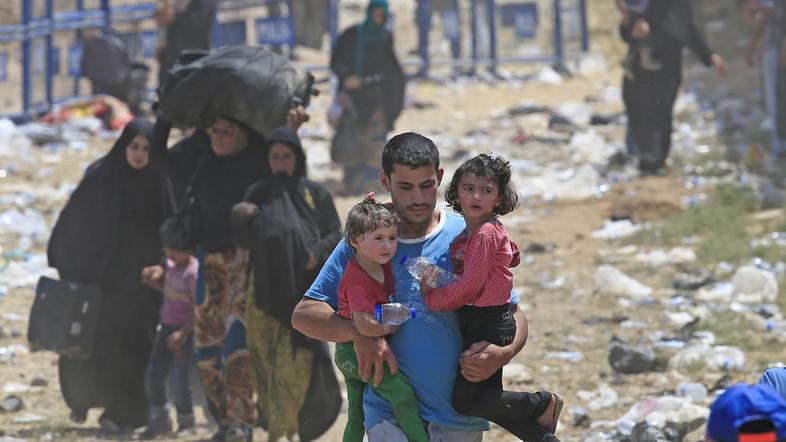 Militants shell 'humanitarian' Syria corridor as truce begins