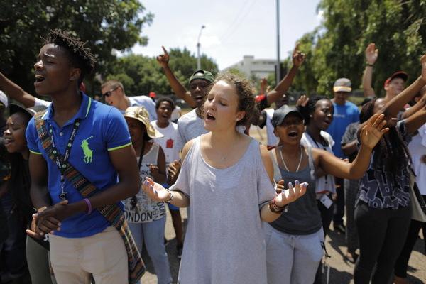 sa-university-972325_1_0325-protests_standard