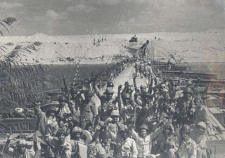 Egyptian Soldiers celebrate the crossing of the Suez canal, Ramadan/Yom Kippur War, 1973