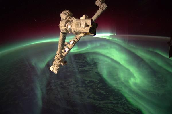 ss-130118-auroral-lights-02_5a819a627e93b403d2ee875442b2f731-nbcnews-ux-600-480