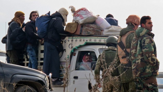 Syrian regime halts Aleppo evacuation, says rebels firing on convoys