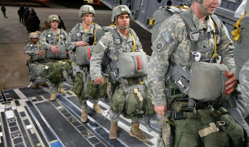 US deploys 2,500 paratroopers to Kuwait, ready for missions in Syria & Iraq