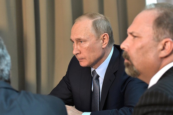 Putin announces his intention to run for president in 2018