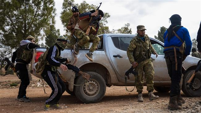 US asks Syria militant groups to retreat to Jordan amid army advances