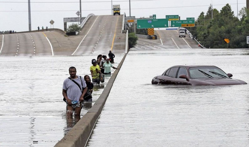 Harvey killed at least 30 and losses in Texas could reach US$ 100bn; half a million claiming federal assistance