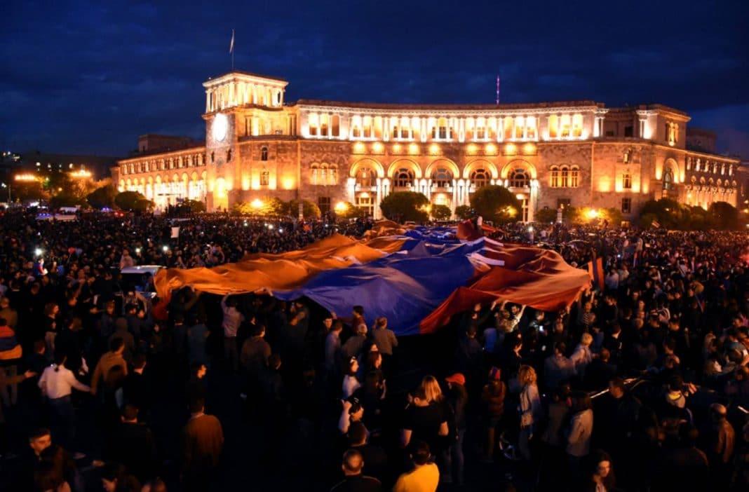yere armenias creative revolution - HD1430×954